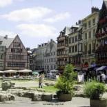 La place du vieux marché à Rouen